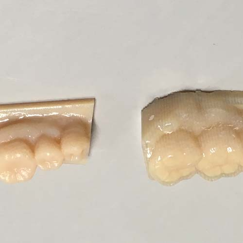 左がサポート材除去後、右が除去前
